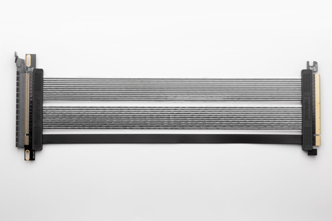 CableMod Straight PCI-e 4.0 Riser Cable (Black, 30cm)